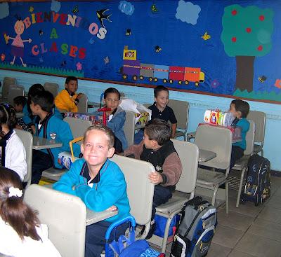 Schule, Mexiko, Unfiform, Ferien, Schuluniform, Primaria, Erste klasse,