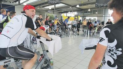 Indoor Cycling Marathon: Benefizveranstaltung für die Downsyndrom-Stiftung ein voller Erfolg, deutsch, Deutschland, Down Syndrom, Down-Syndrome, Extrachromosom, Trisomie 21,