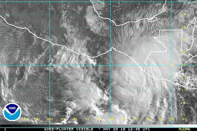 Pazifik aktuell: Tropische Depression 1 E - Sturmwarnung in Guatemala, Mexiko und el Salvador, Tropische Depression, Vorhersage Forecast Prognose, Pazifik, Mexiko, Hurrikansaison 2010, Hurrikan Satellitenbilder, Guatemala, El Salvador, aktuell, 2010,