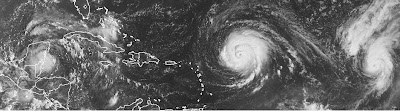 Atlantik aktuell: Satellitenbild Tropensturm KARL, Hurrikan IGOR & Hurrikan JULIA, 2010, Atlantik, Hurrikan Satellitenbilder, Hurrikansaison 2010, Igor, Julia, Karibik, KARL, Mexiko, Yucatán,