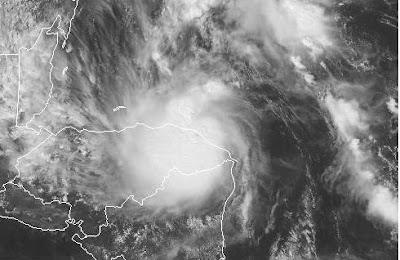 Atlantik aktuell: Tropischer Sturm PAULA vor Honduras, Belize und Yucatán ( Mexiko), 2010, Paula, aktuell, Atlantik, Hurrikan Satellitenbilder, Hurrikansaison 2010, Karibik, Mexiko, Honduras, Belize, Yucatán,