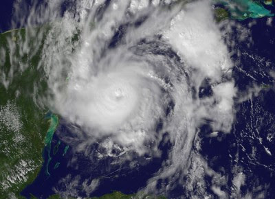 Hurrikan PAULA hat Kategorie 2 erreicht und bedroht Riviera Maya (Mexiko) und Kuba - mit aktuellem NASA-HQ-Satellitenfoto, 2010, aktuell, Atlantik, Cancún, Hurrikan Satellitenbilder, Hurrikanfotos, Hurrikansaison 2010, Karibik, Kuba, Live Webcam, Live Stream Satellitenbild, Mexiko, NASA, Paula, Playa del Carmen, Touristen, Yucatán, Zugbahn,