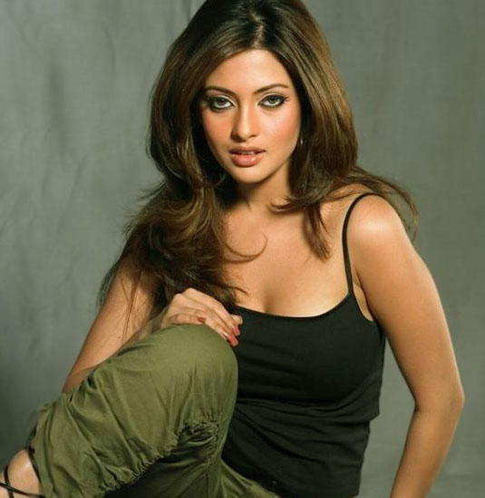 riya sen wallpaper. HOT RIYA SEN WALLPAPERS