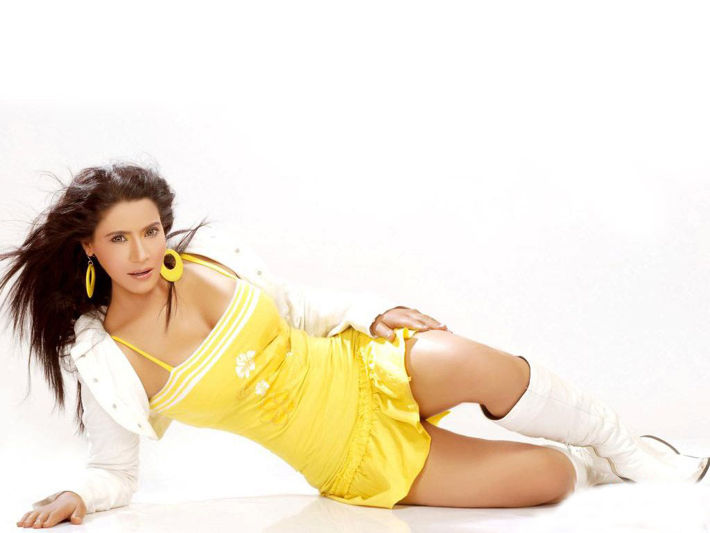 WALLPAPER WORLD: Apsara Soni Hot Wallpapers, Pictures ...