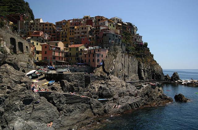 Village de Manarola, Cinque Terre © Andrej Petelinsek | Dreamstime.com