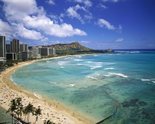 Waikiki, Honolulu © Tomas Del Amo | Dreamstime.com