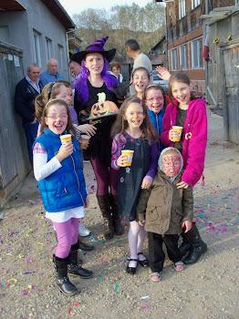 Petreceri tematice - Vrăjivrăjitoarea şi copiii