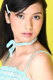 Hot Actress Photo: Foto Bugil Sarah dan Rahma Azhari Skandal