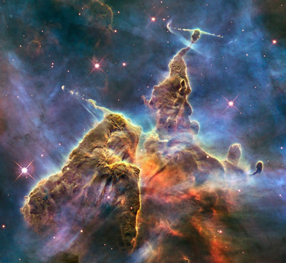 Three-light-year-tall pillar of gas and dust within the Carina Nebula