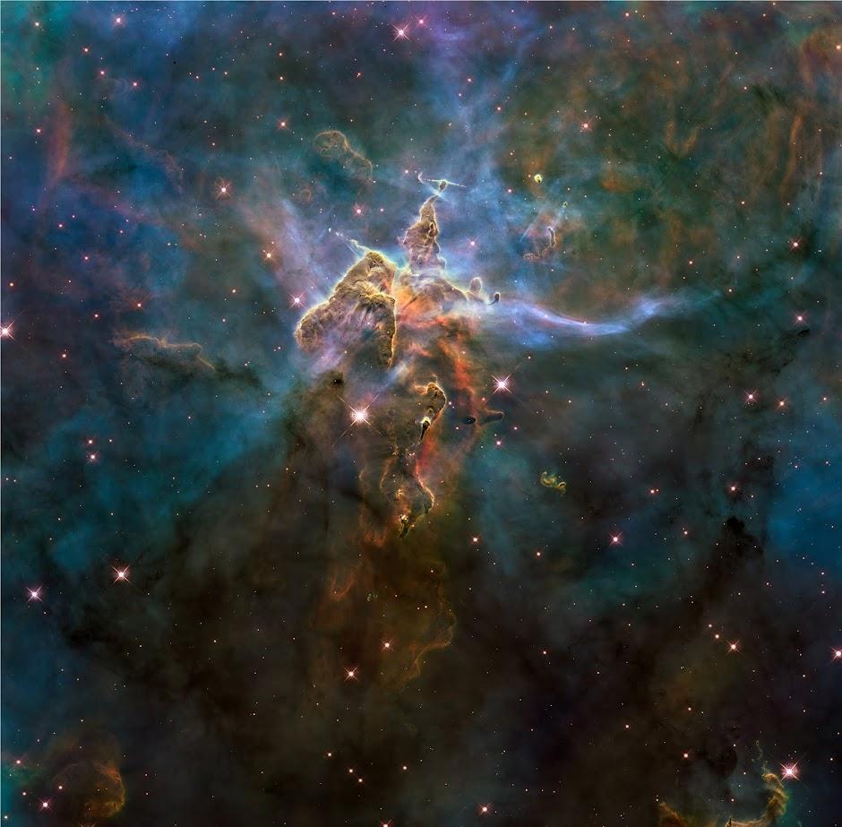 Wide view of Hubble's Mystic Mountain image, Carina Nebula