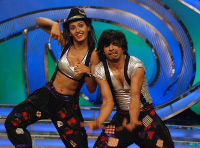 Shakti & last season's Jay Kumar Nair perform a pop jazz rendition of Kajra Mohobbatwala on reality dancing contest, Dance India Dance on Zee TV