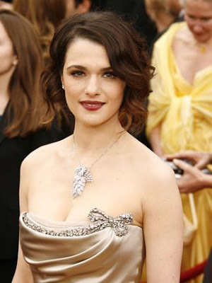 rachel weisz the mummy returns. Weisz has a sister,