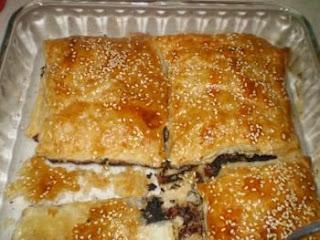 Zeytin ezmeli milföy börek tarifi(resimli)