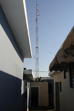 Torre de 18 mts de altura  na séde  da Rádio Comunitária  Educativa FM