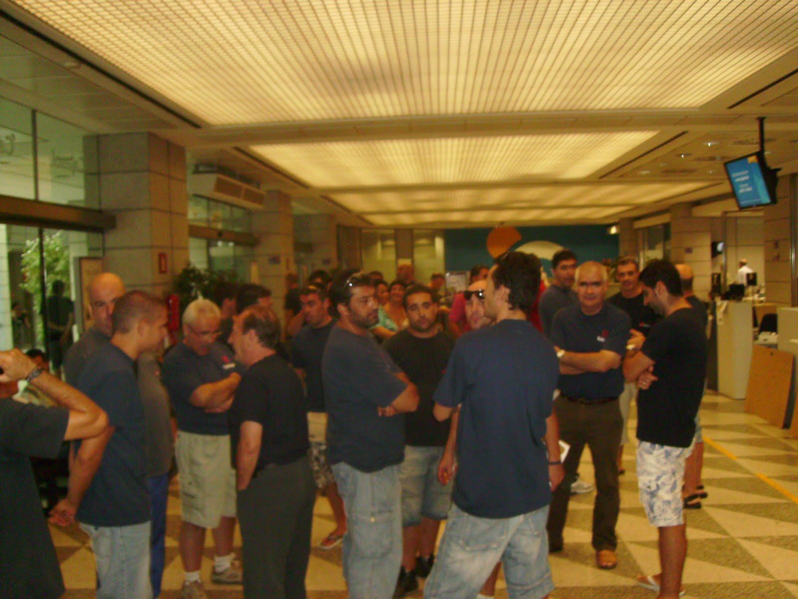 El atico de jepane tubespa movilizacion en sevilla 07 09 10 for Oficina 0182
