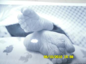 Aydens feet