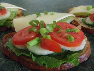 Summer Fresh Cucumber Sammie!