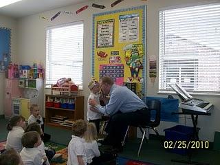 [David+&+Julie+-+David+at+Sam's+pre-school+class+Feb+2010]