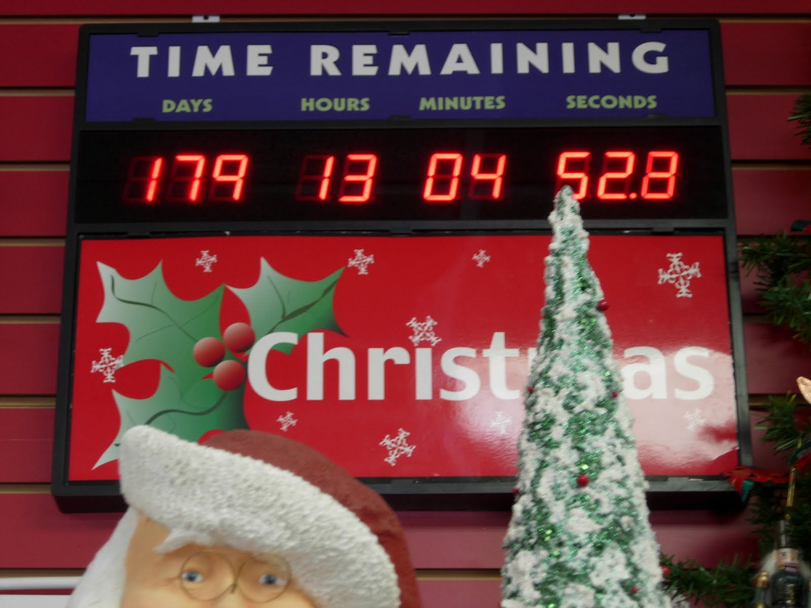 Christmas Countdown Clock Tiffany, you need this clock