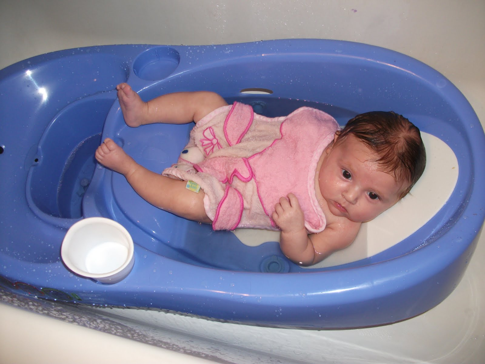 you may think all infant bath tubs are the same well i found one that