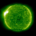Słońce z przepięknym rozbłyskiem promieniowania rentgenowskiego. Całkiem niedawno :)