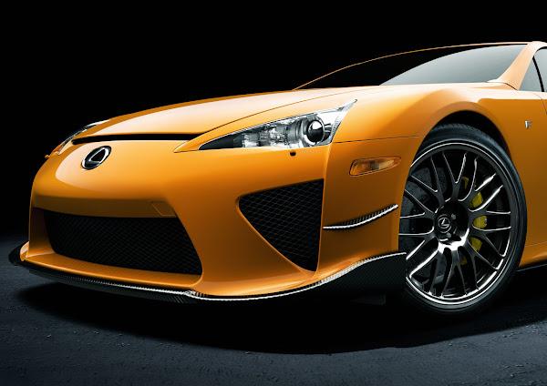Lexus Introduces 2012 LFA Nürburgring Package detail