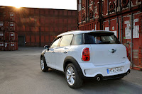 MINI Cooper Countryman back