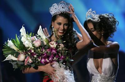Stefanía Fernández obtiene el título de Miss Universo 2009
