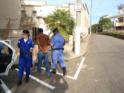 GUARDA MUNICIPAL DE VARGINHA CONDUÇÃO E APREENSÃO DE ENTORPECENTES (CRACK)