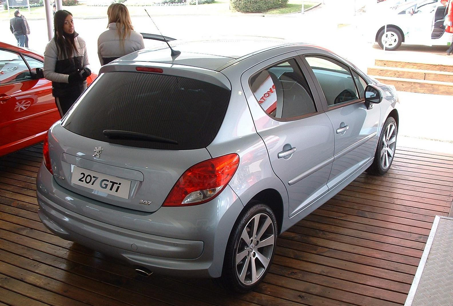 argentina auto blog el peugeot 207 gti franc s ya se puede reservar por 30 mil d lares. Black Bedroom Furniture Sets. Home Design Ideas