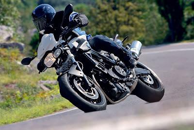 Gambar Foto Motor Sport BMW F800R 2010