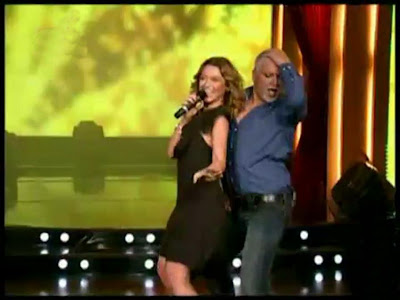 Hadise singing and Azis dancing to Dum Tek Tek