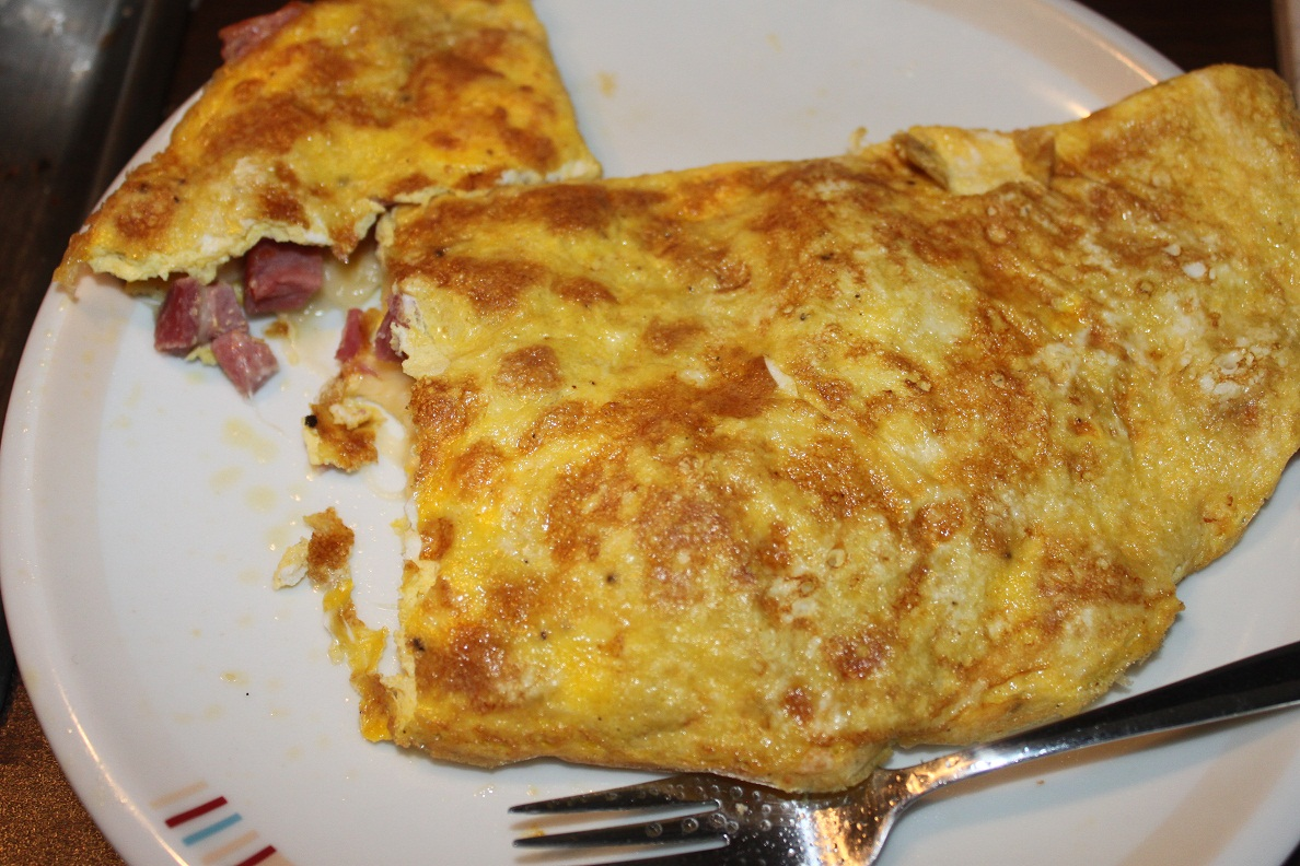 Fabulously Fun Food: Double Take: Ham-and-Cheese Omelets