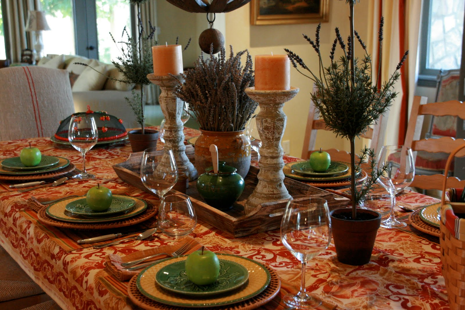 the yellow lattice patterned dinner plates work perfectly with the print the portuguese majolica salad plates pick up the green rim