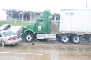 Dallas, TX: Pick-Up Truck and Car vs 18 Wheeler