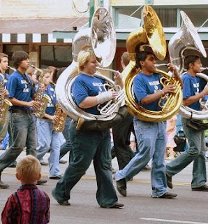 Using Picasa: Cropped Photo of Band Marching in Parade