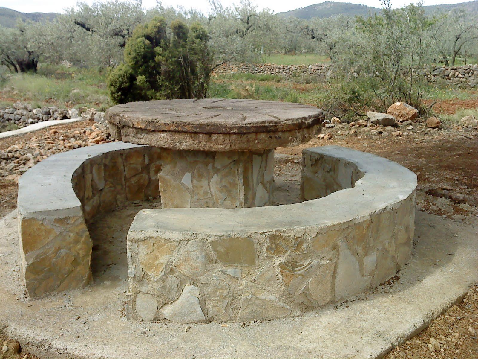Taller de empleo alba iler a de piedra en seco de figueroles agosto 2010 - Mesas de piedra ...