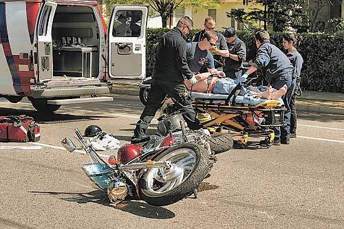Pullman Motorcycle Accident Lawyer >> Fresno Visalia Bakersfield Accidents April 1 Motorcycle Accident In