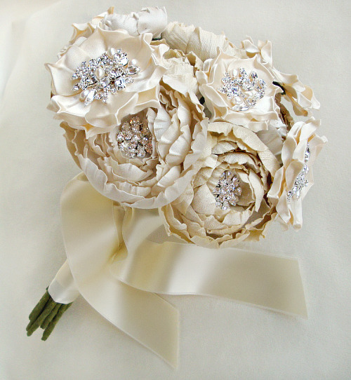 Using artificial flowers in your wedding the velvet couch a bouquet of real flowers because theyre premade for you but it doesnt have to be that way you can absolutely achieve the same look yourself mightylinksfo