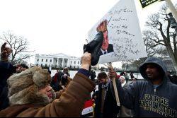 http://1.bp.blogspot.com/_Rs4DCFVBrSo/TUXoXM6gSbI/AAAAAAAAAak/gv7sxsnTZEQ/s1600/_110130-revolution-egypte.jpg