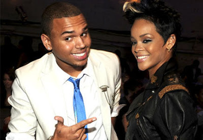 Rihanna junto a Chris Brown