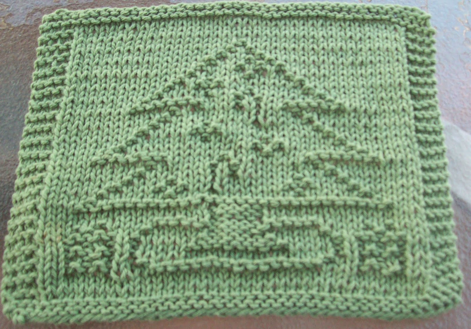 DigKnitty Designs: Decorated Christmas Tree Knit Dishcloth Pattern