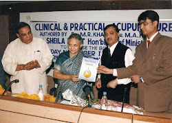 HON'ABLE CHEIF MINISTER OF DELHI RELEASING BOOK