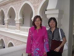 2009年4月24日,和记者访新任新闻,通讯及文化部副部长王赛芝