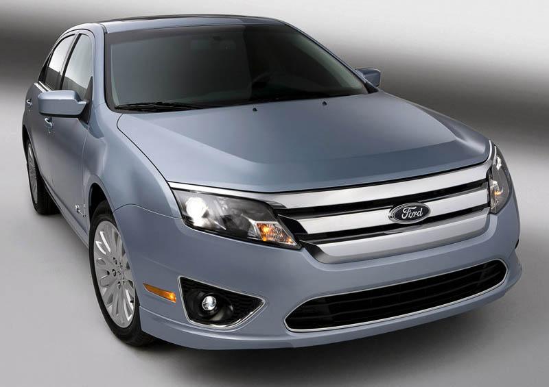 Ford Fusion Hybrid, 2010