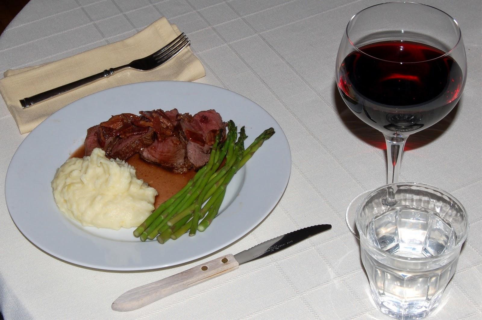 Weekend Viands: Roast Beef Tenderloin with Red Current Jus ...
