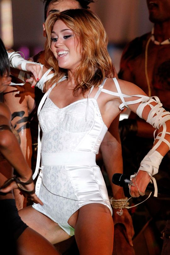 sexy Sydney Rückseite com looking for naked