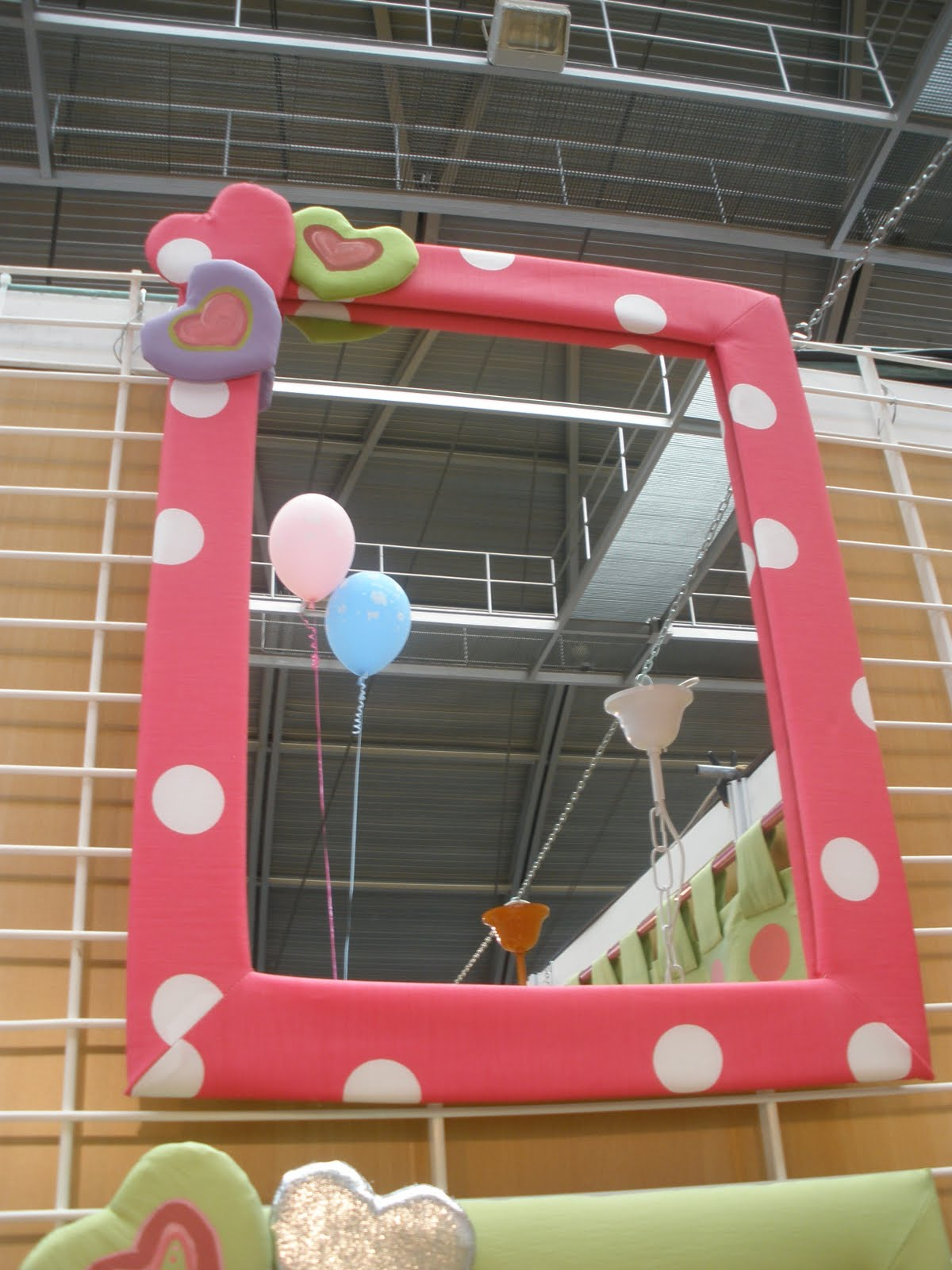 Decoraci n infantil pekerines espejos habitaci n infantil for Espejos habitacion juvenil