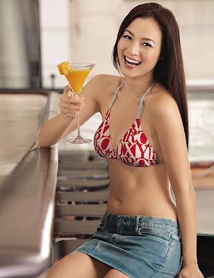 Pretty bikini model: Grace Huang