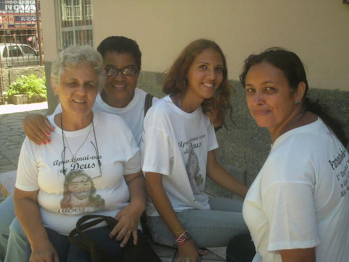 Ajudantes da catequese da capela de São Pedro.